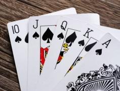 ポーカーで食ってたことあるけど質問ある?
