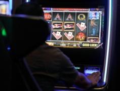 オンラインカジノで勝つ方法教えろ。負けすぎて頭おかしくなりそう